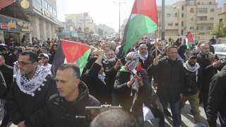 فيديو.. الآلاف يتظاهرون في رام الله تنديدا بخطة السلام الأمريكية