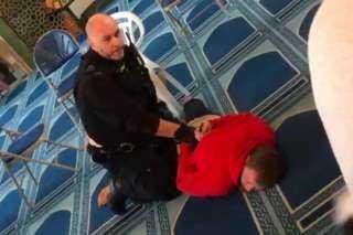 بالفيديو.. القبض على منفذ حادث طعن في مسجد شمال لندن