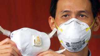 الصحة العالمية تعكف على تقييم فعالية استخدام أقنعة لمنع انتشار كورونا