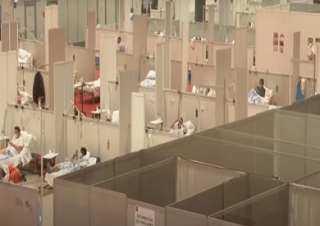بالفيديو.. مشاهد من داخل أكبر مستشفى ميداني لمرضى كورونا في العالم