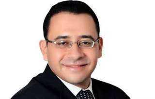"""وسام الاحترام """" أيقونة الانسانية """"الدكتورعمرو حسن"""""""